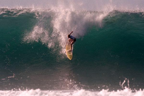 En el filo de las olas