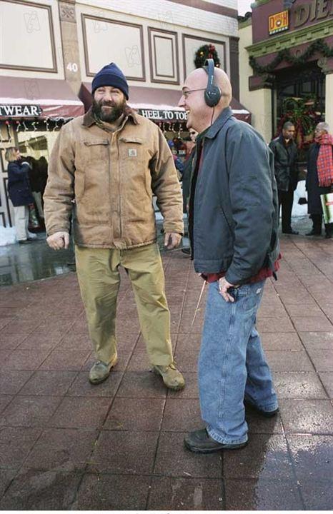 Sobreviviendo a la Navidad: Mike Mitchell (V), James Gandolfini