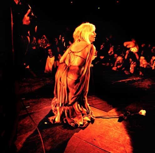 Backstage: Emmanuelle Seigner