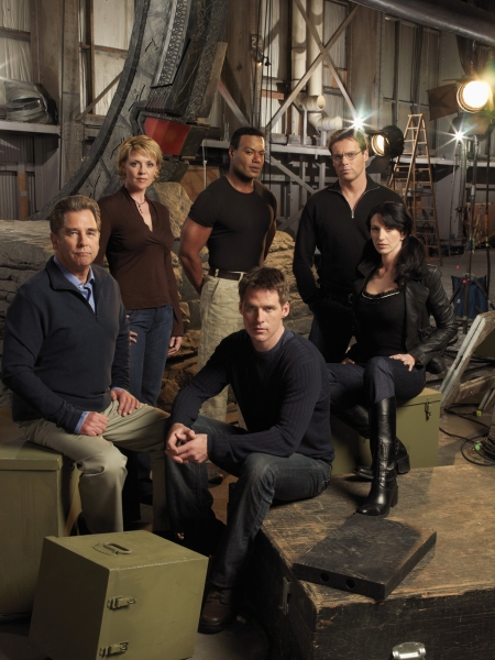 Stargate SG 1 : Foto Amanda Tapping, Beau Bridges, Ben Browder, Christopher Judge, Claudia Black