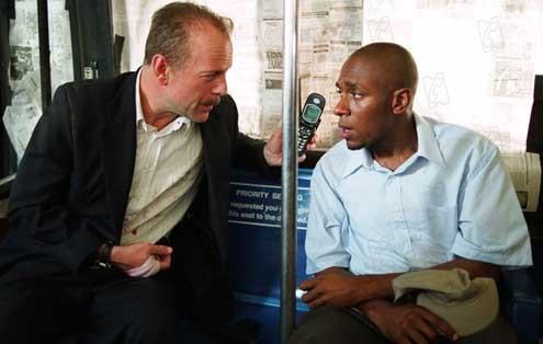 16 calles: Bruce Willis, Yasiin Bey