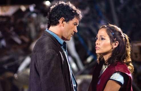 Ciudad del silencio: Antonio Banderas, Jennifer Lopez, Gregory Nava