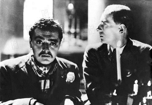El agente secreto : Foto John Gielgud, Peter Lorre