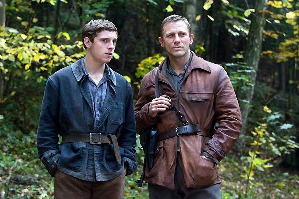 Resistencia : Foto Daniel Craig, Jamie Bell