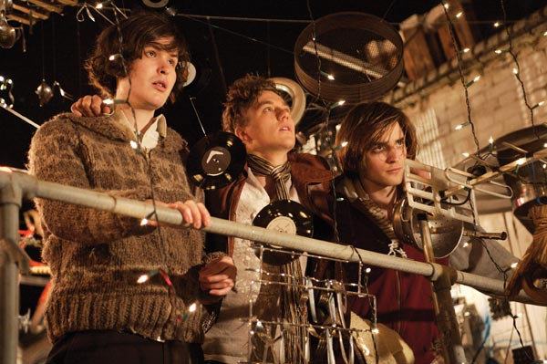 How to Be : Foto Johnny White, Mike Pearce, Oliver Irving, Robert Pattinson