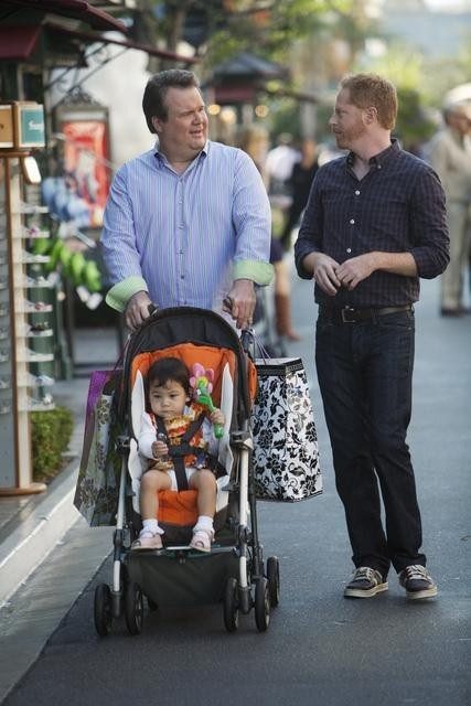 Modern Family : Foto Ella Hiller, Eric Stonestreet, Jaden Hiller, Jesse Tyler Ferguson