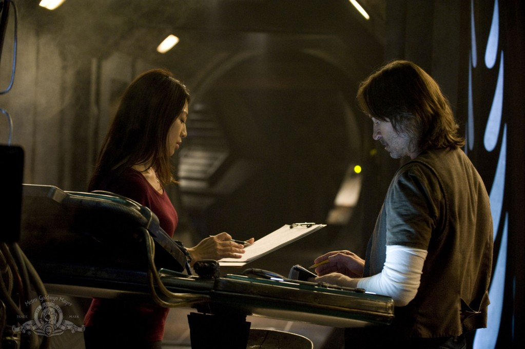 Stargate : Universe : Foto Ming-Na Wen, Robert Carlyle