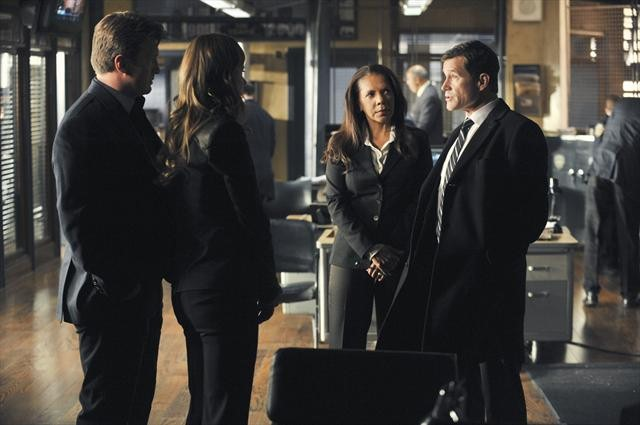 Foto Dylan Walsh, Nathan Fillion, Penny Johnson Jerald, Stana Katic
