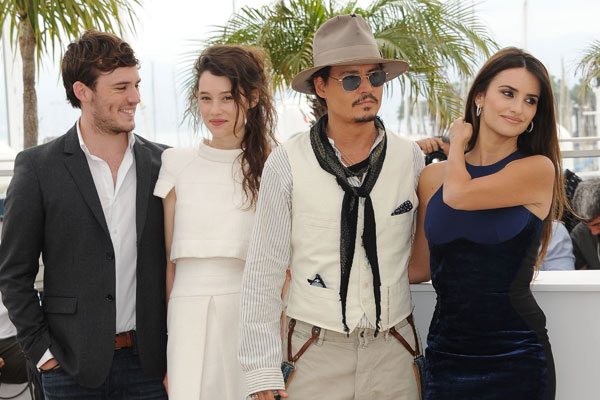 Piratas del Caribe: En mareas misteriosas : Couverture magazine Astrid Bergès-Frisbey, Johnny Depp, Penélope Cruz, Rob Marshall, Sam Claflin