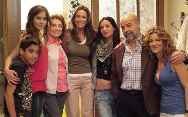 Los Serrano : Foto Antonio Resines, Dafne Fernández, Jaydy Michel, Jorge Jurado, Julia Gutiérrez Caba
