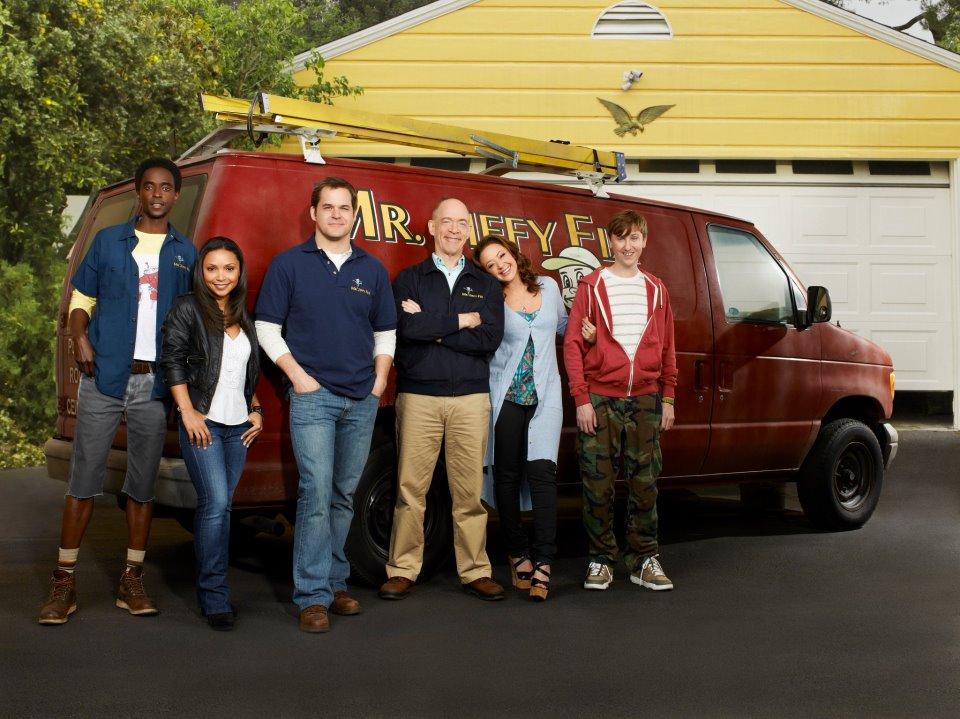 The Family Tools : Foto Danielle Nicolet, Edi Gathegi, J.K. Simmons, Johnny Pemberton, Kyle Bornheimer