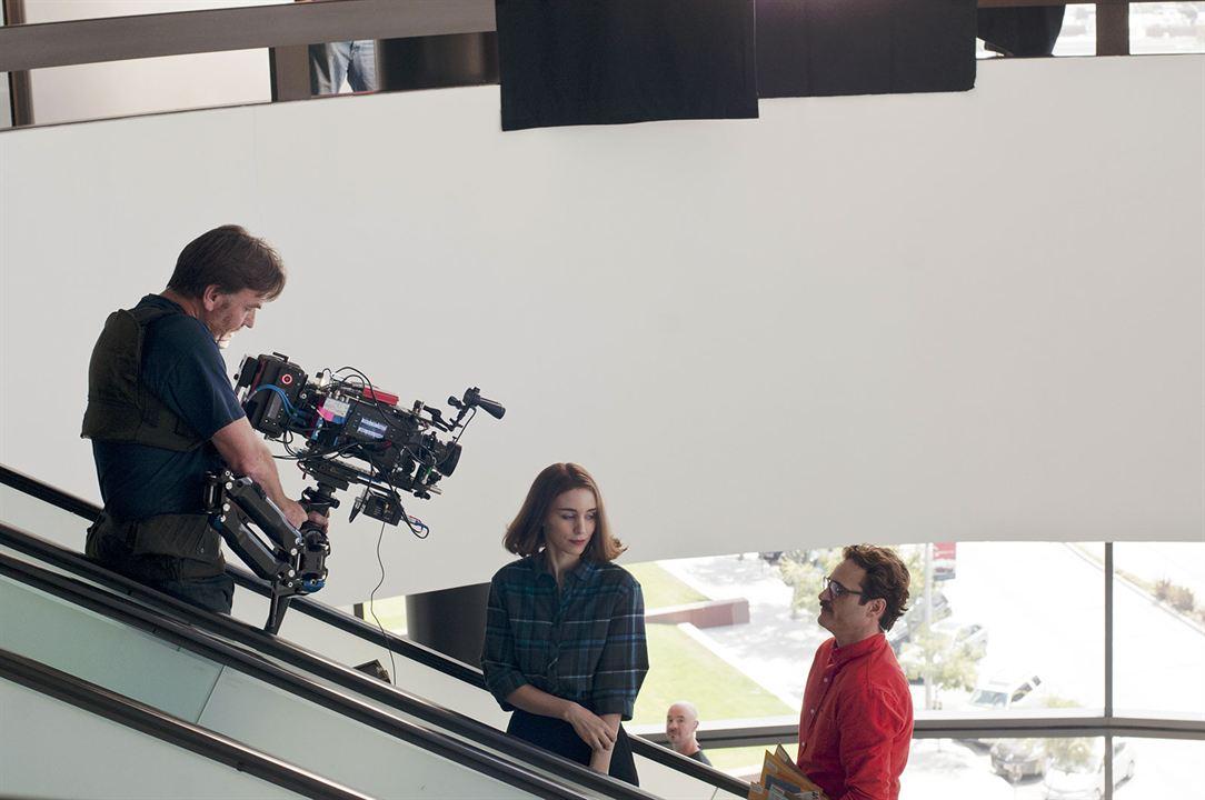Her : Foto Joaquin Phoenix, Rooney Mara, Spike Jonze