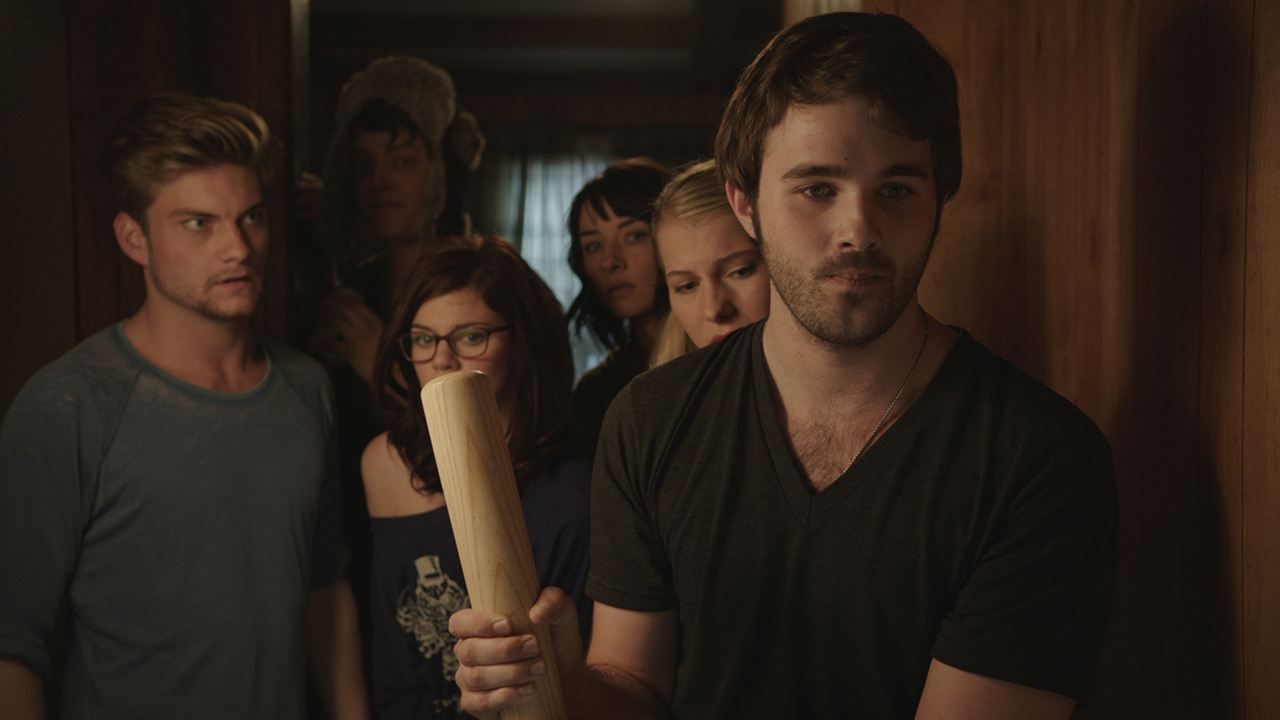 Zombeavers (Castores zombies): Hutch Dano, Rachel Melvin, Jake Weary, Cortney Palm, Peter Gilroy, Lexi Atkins
