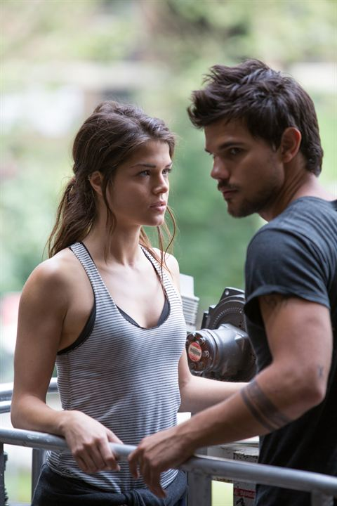 Tracers : Foto Marie Avgeropoulos, Taylor Lautner