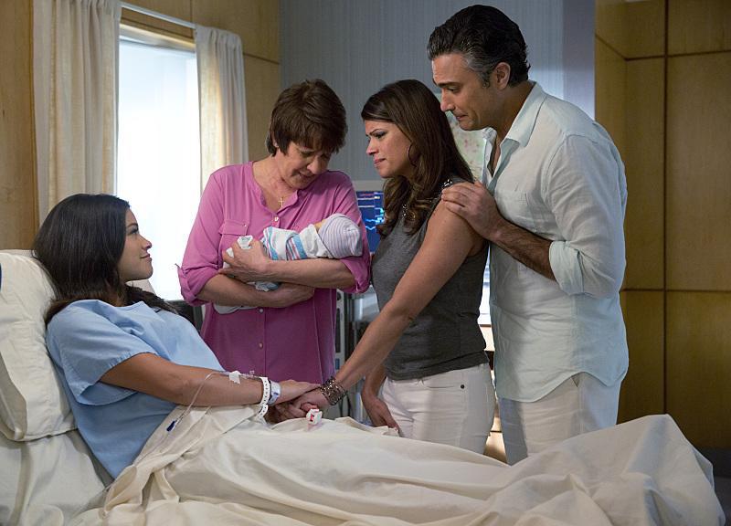 Foto Andrea Navedo, Gina Rodriguez, Ivonne Coll, Jaime Camil