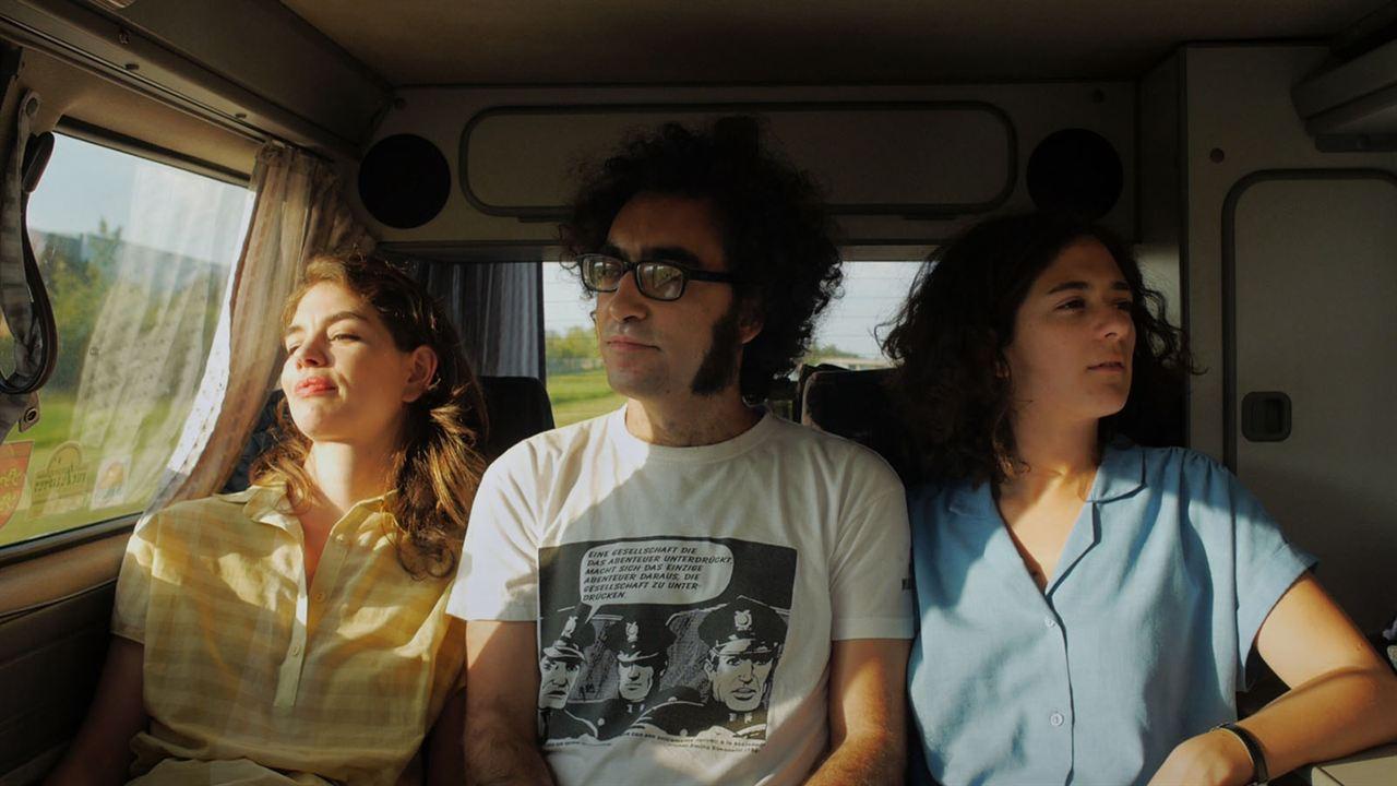 Los exiliados románticos: Isabelle Stoffel, Luis E. Parés, Renata Antonante
