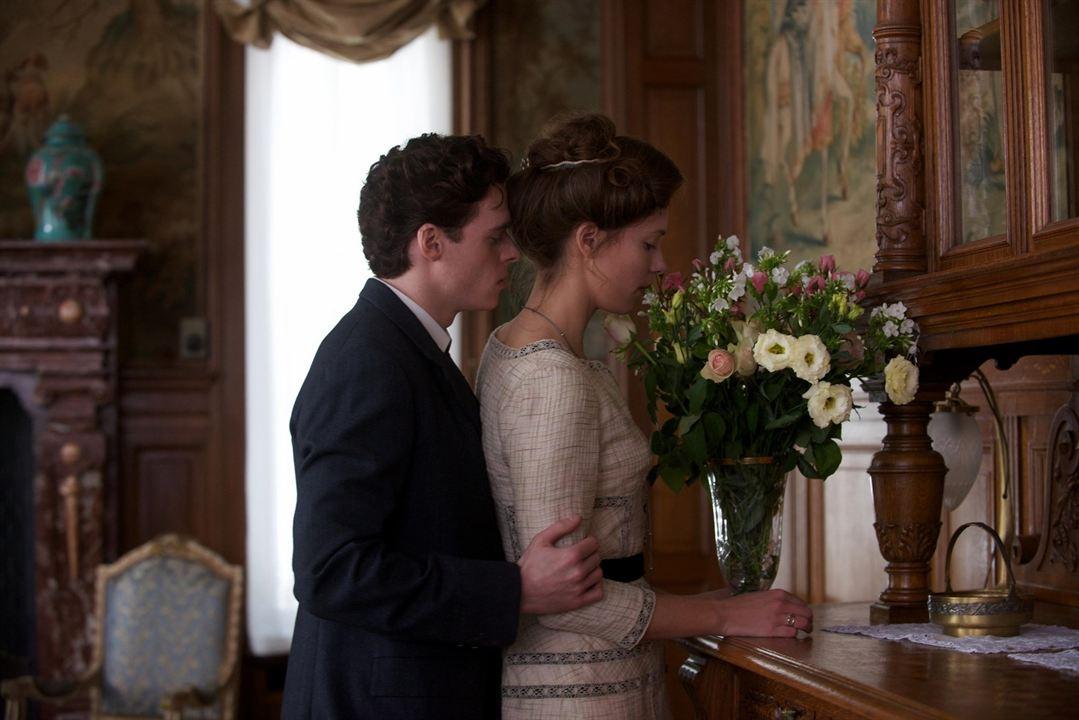 La promesa: Rebecca Hall, Richard Madden