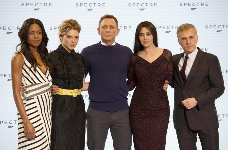 Spectre : Couverture magazine Christoph Waltz, Daniel Craig, Léa Seydoux, Monica Bellucci, Naomie Harris