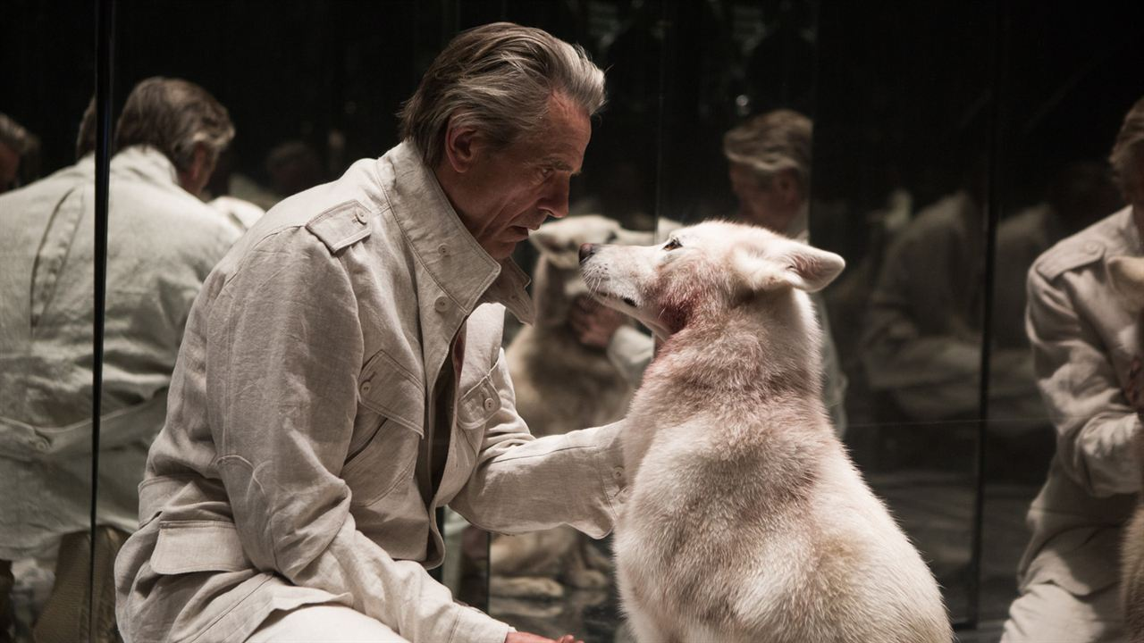 High-Rise: Jeremy Irons