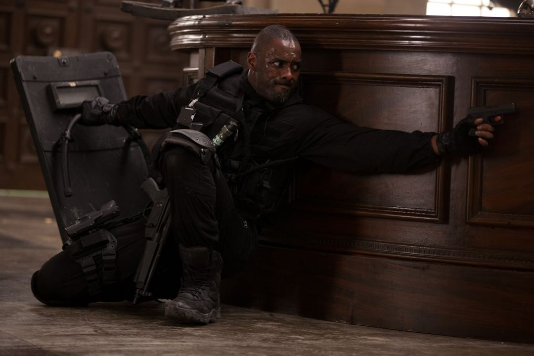 Asalto en París: Idris Elba