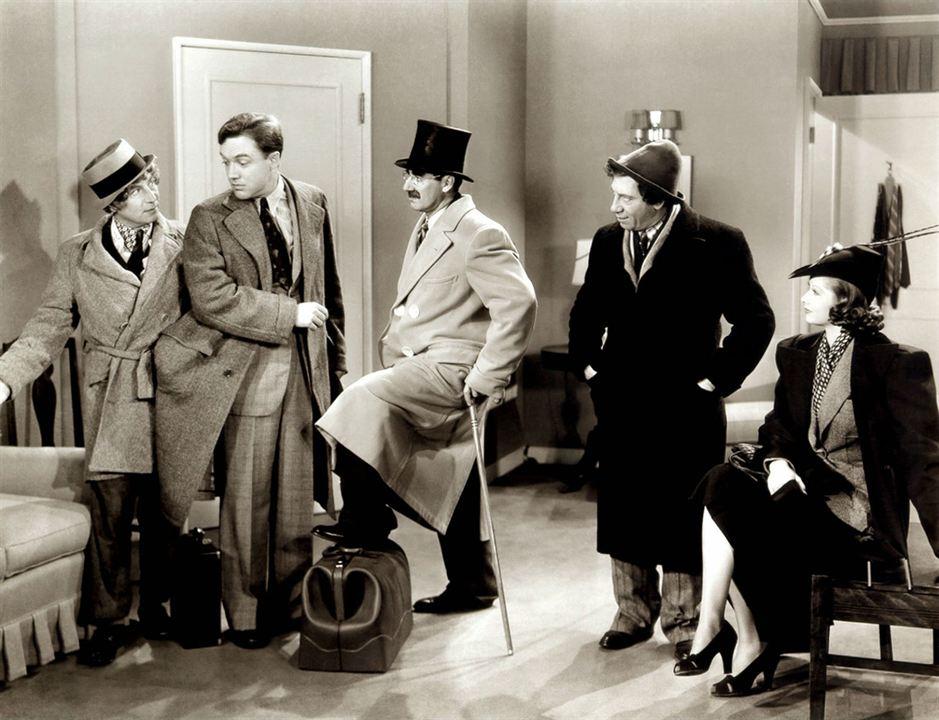 El hotel de los líos : Foto Chico Marx, Groucho Marx, Harpo Marx