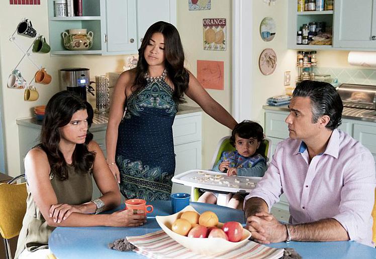 Foto Andrea Navedo, Gina Rodriguez, Jaime Camil