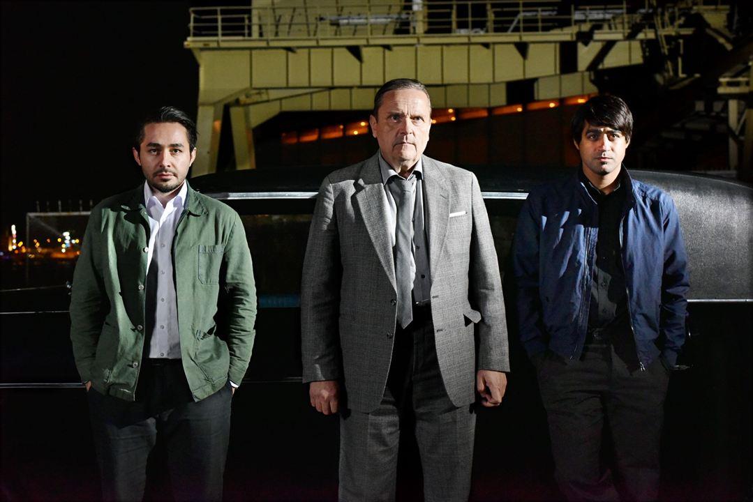 El otro lado de la esperanza : Foto Sakari Kuosmanen, Sherwan Haji, Simon Al-Bazoon
