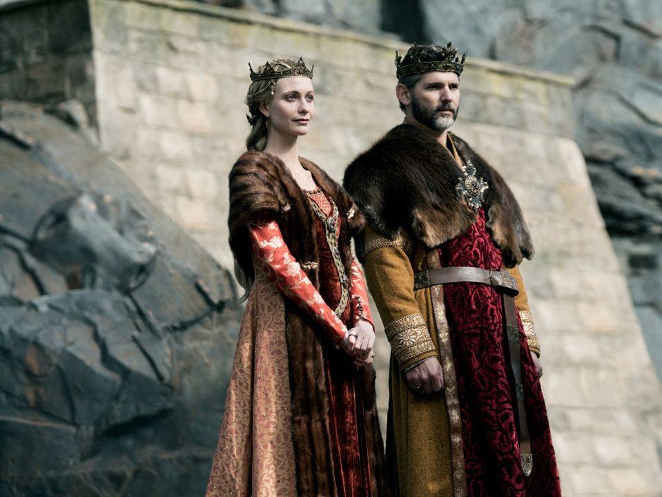 Rey Arturo: La leyenda de Excalibur : Foto Eric Bana, Poppy Delevingne