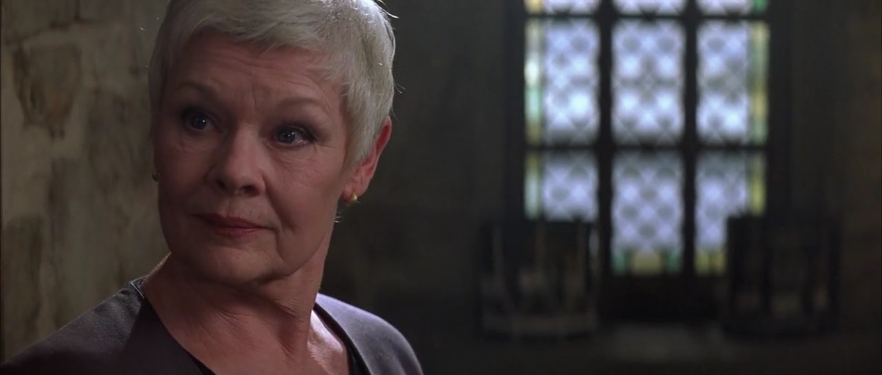 El mundo nunca es suficiente: Judi Dench