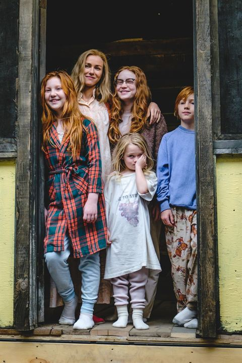 El castillo de cristal: Ella Anderson, Naomi Watts, Sadie Sink, Charlie Shotwell