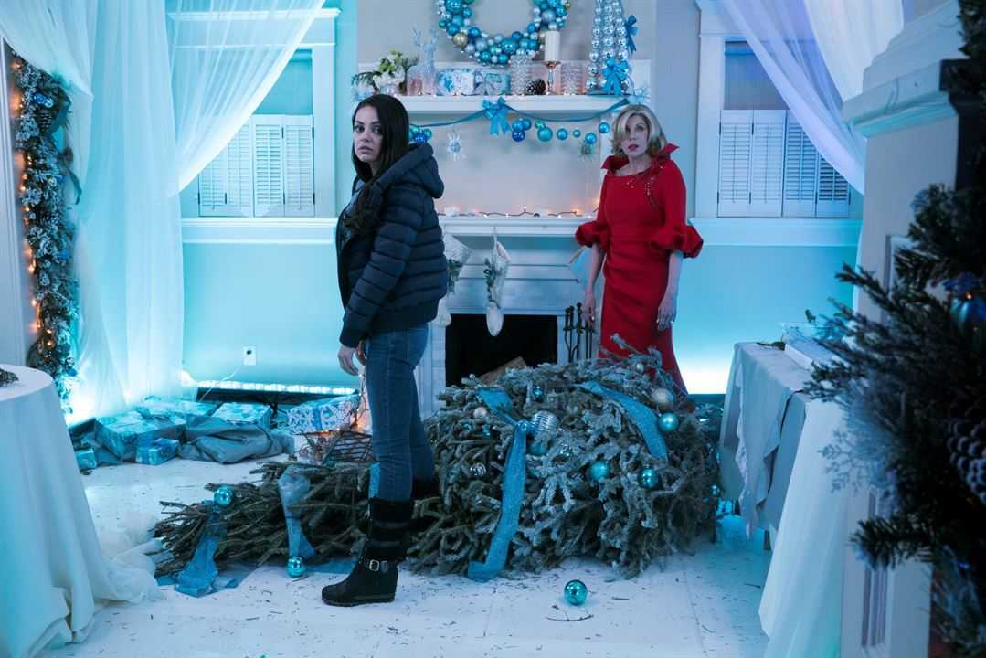 El gran desmadre (Malas madres 2): Christine Baranski, Mila Kunis