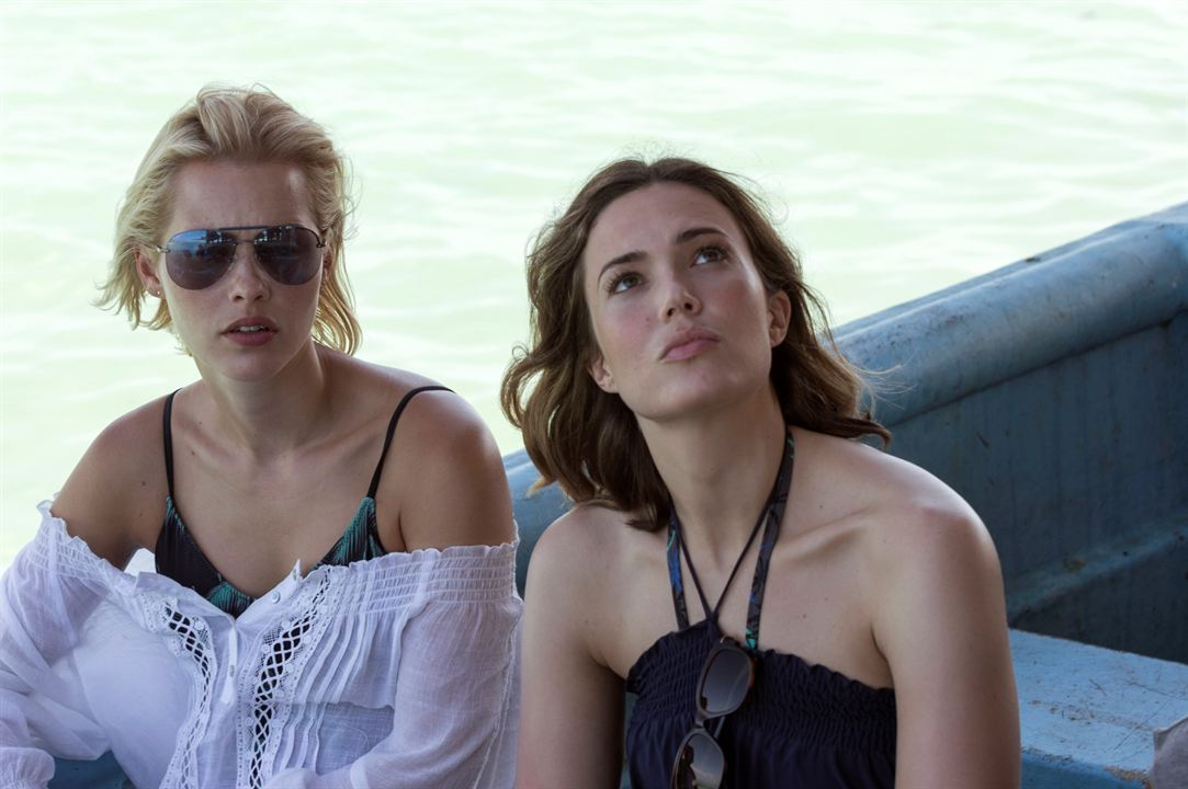 A 47 metros: Claire Holt, Mandy Moore