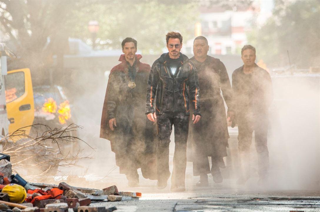 Vengadores: Infinity War : Foto Benedict Cumberbatch, Benedict Wong, Mark Ruffalo, Robert Downey Jr.