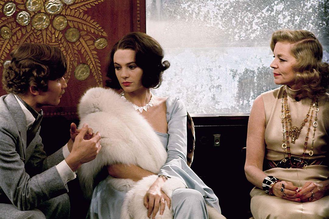 Asesinato en el Orient Express: Jacqueline Bisset, Lauren Bacall