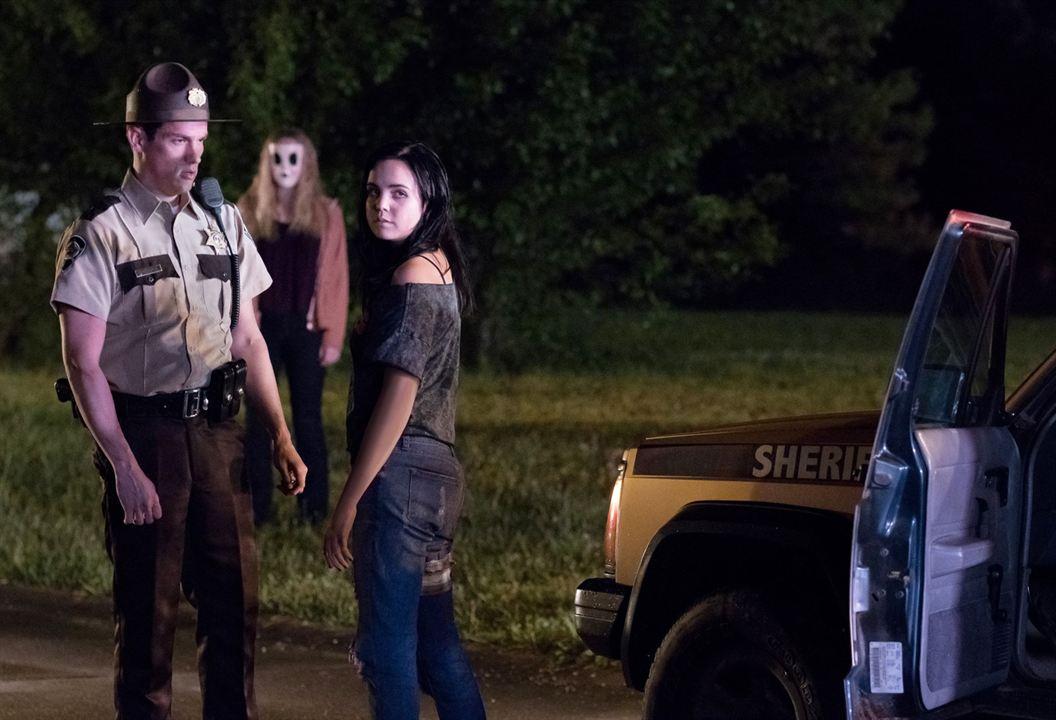 Los extraños: Cacería nocturna: Preston Sadleir, Bailee Madison