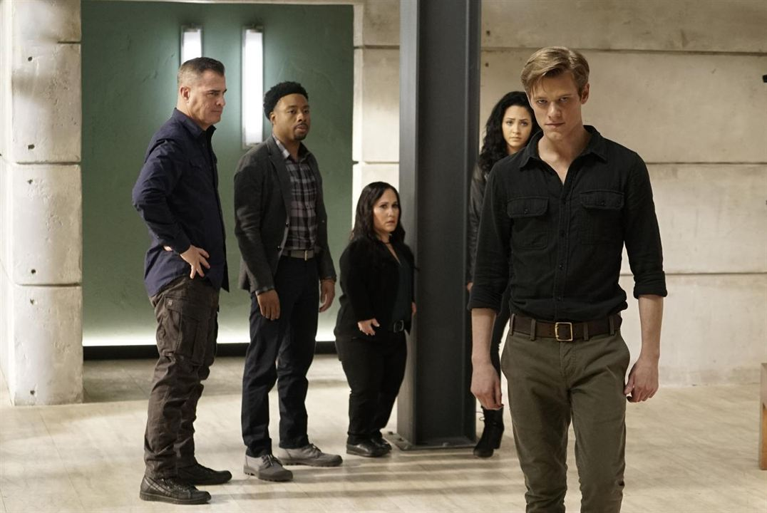 Foto George Eads, Justin Hires, Lucas Till, Meredith Eaton, Tristin Mays