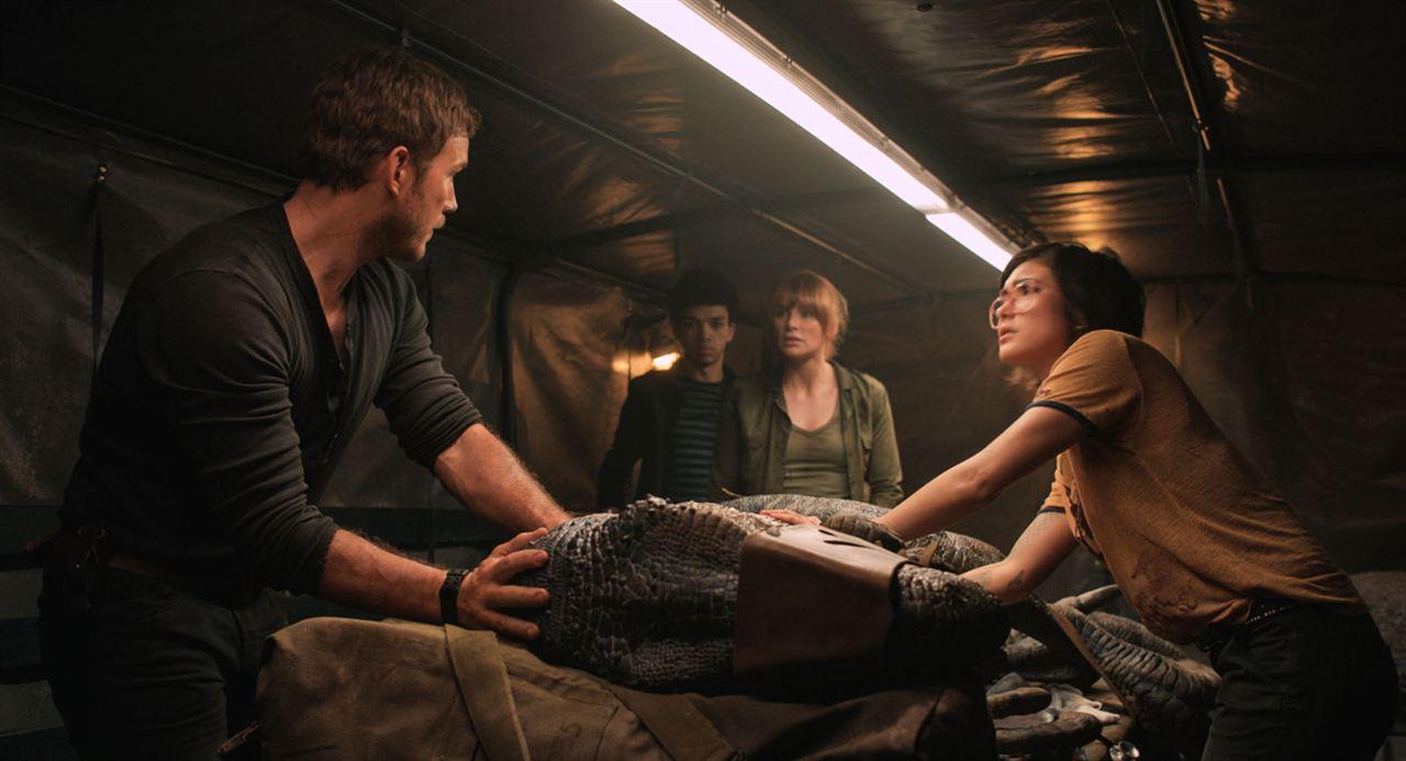 Jurassic World: El reino caído : Foto Bryce Dallas Howard, Chris Pratt, Daniella Pineda, Justice Smith