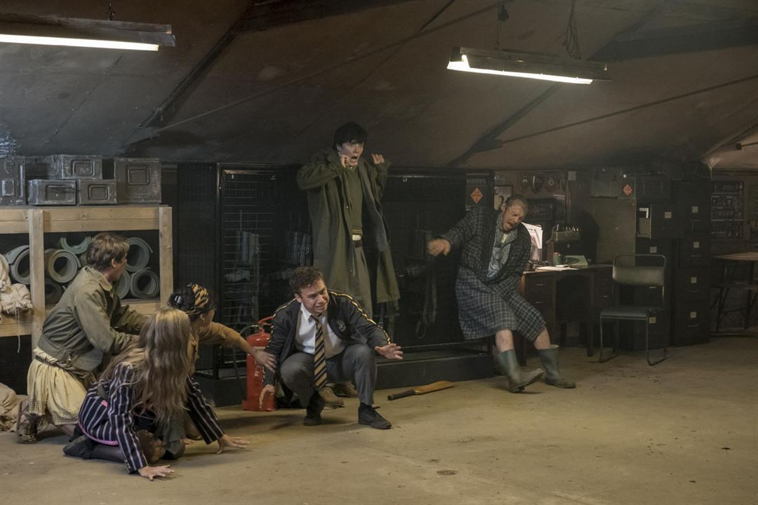 Slaughterhouse Rulez : Foto Asa Butterfield, Finn Cole, Hermione Corfield, Isabella Laughland, Simon Pegg