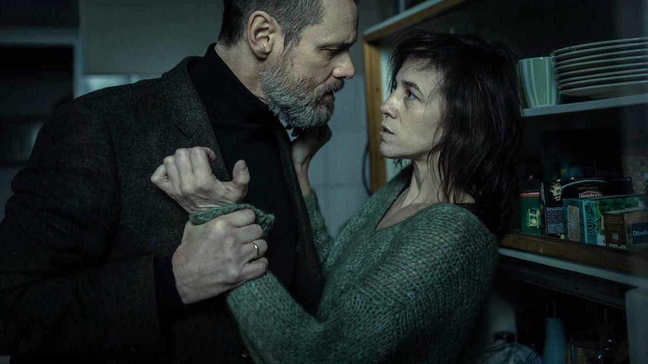 Dark Crimes: Charlotte Gainsbourg, Jim Carrey