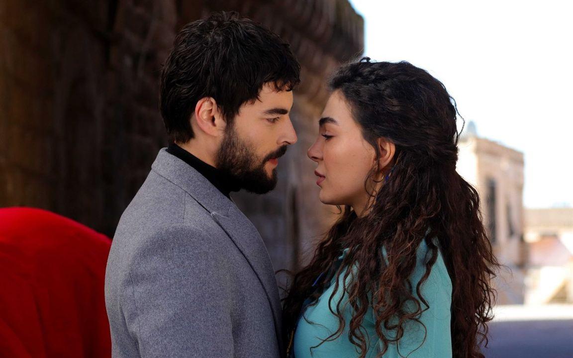 Hercai : Foto Akin Akinözü, Ebru Sahin