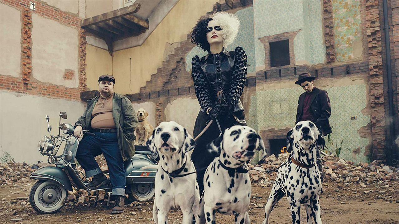 Cruella: Paul Walter Hauser, Emma Stone, Joel Fry