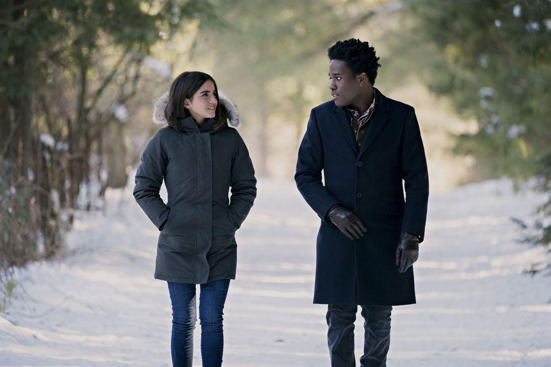 Noches blancas: Tres historias de amor inolvidables : Foto Isabela Merced, Shameik Moore