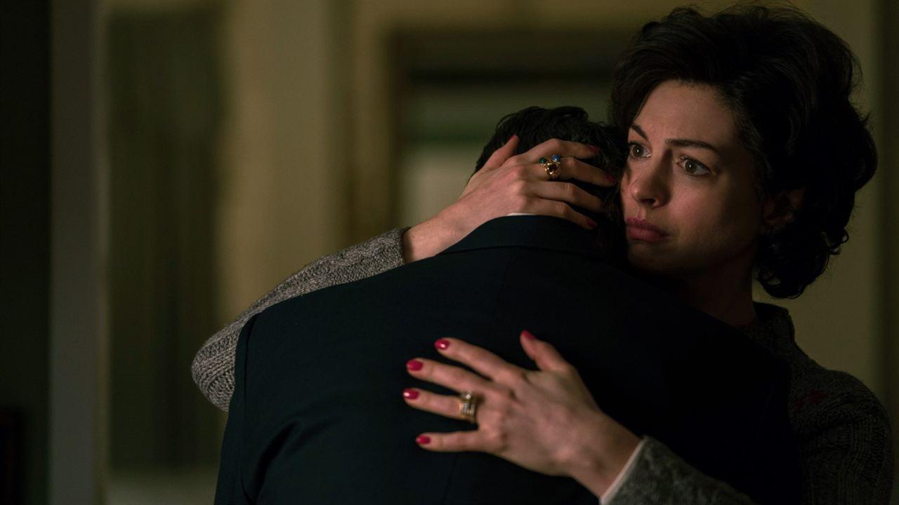 Aguas oscuras: Mark Ruffalo, Anne Hathaway