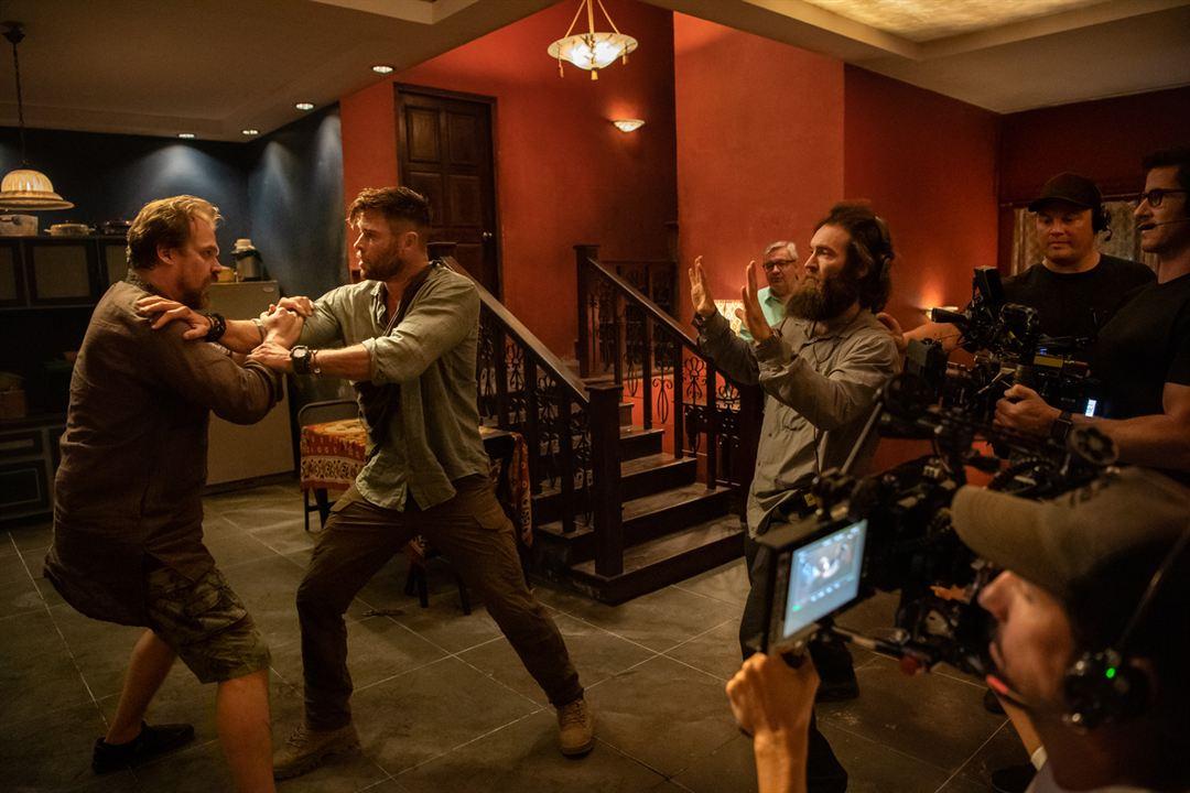 Tyler Rake : Foto Chris Hemsworth, David Harbour, Sam Hargrave