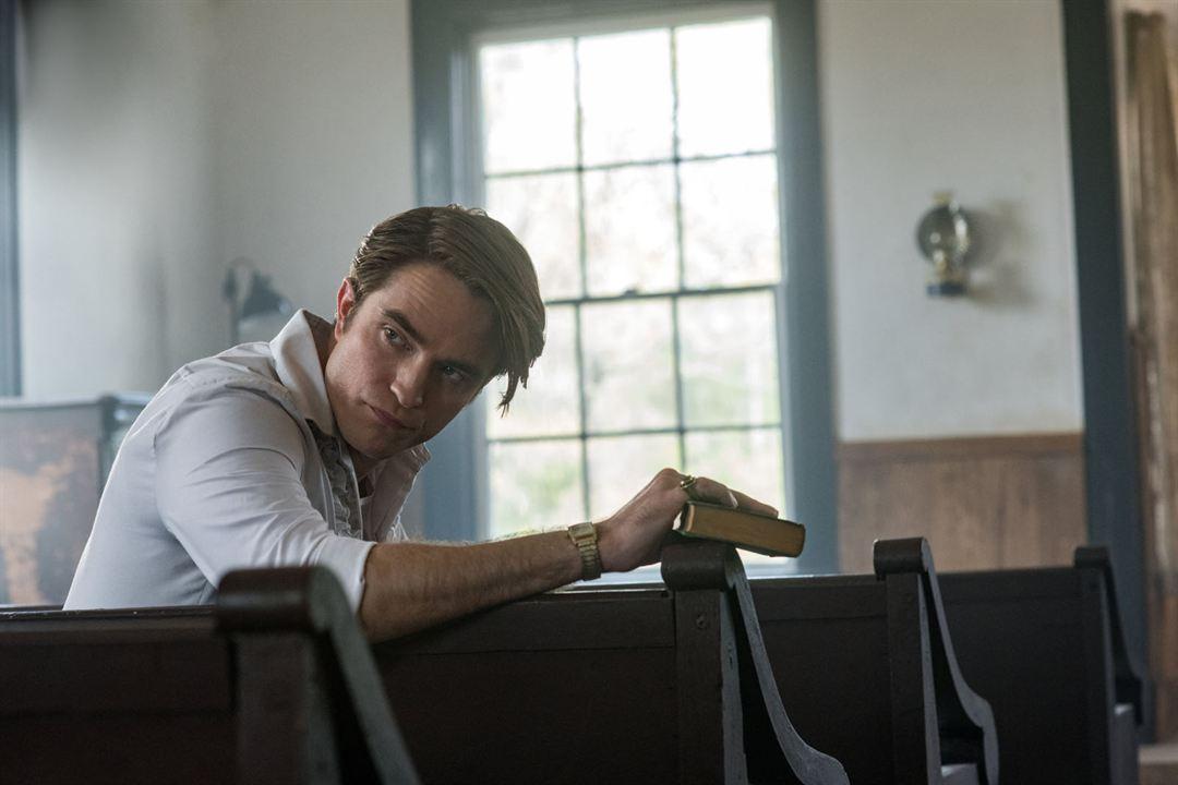 El diablo a todas horas : Foto Robert Pattinson