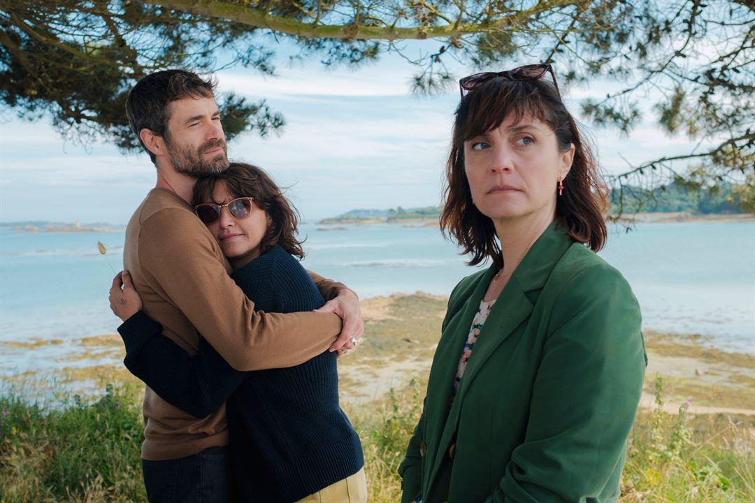 Foto Emma de Caunes, Jeanne Rosa, Yannick Renier