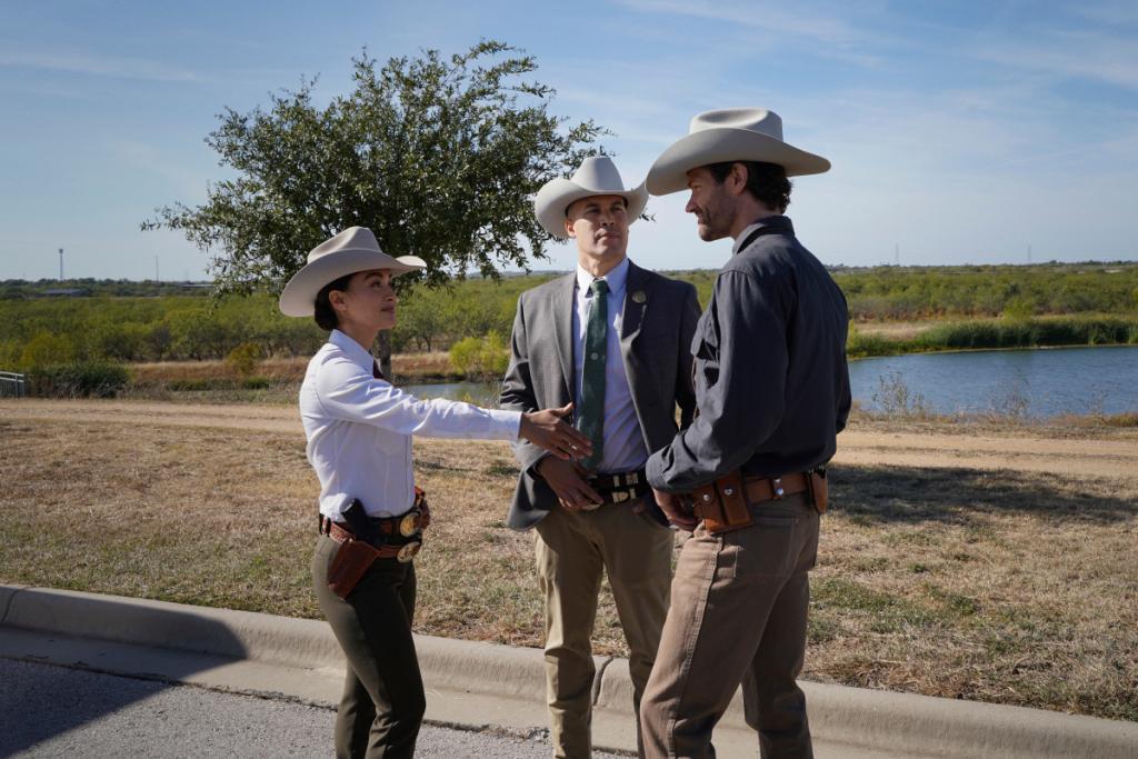 Foto Coby Bell, Jared Padalecki, Lindsey Morgan