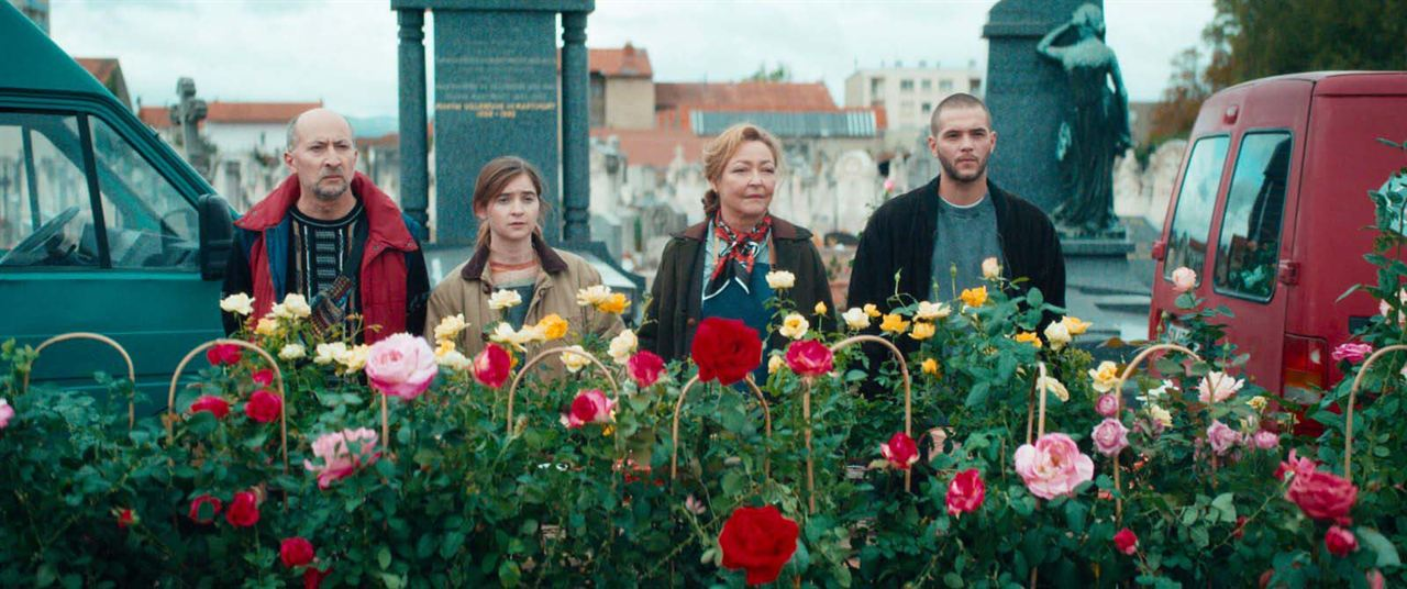Entre rosas : Foto Catherine Frot, Fatsah Bouyahmed, Marie Petiot