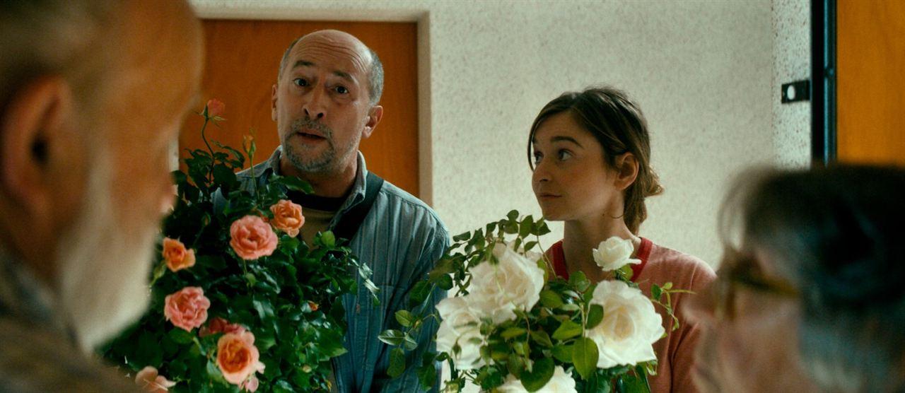 Entre rosas : Foto Fatsah Bouyahmed, Marie Petiot